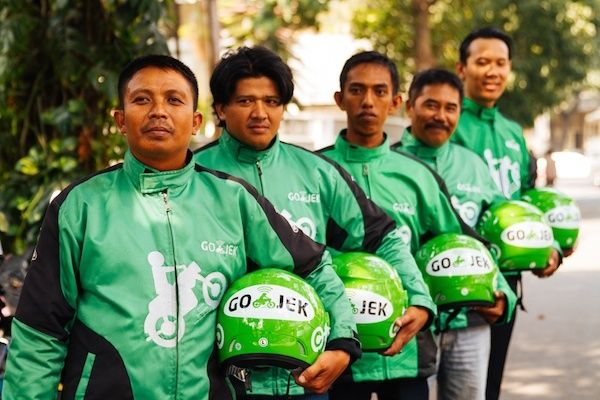gojek-uniform