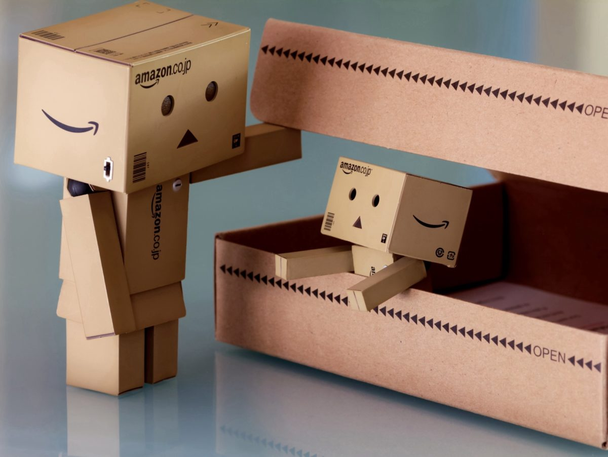 Tiny Amazon robot boxes