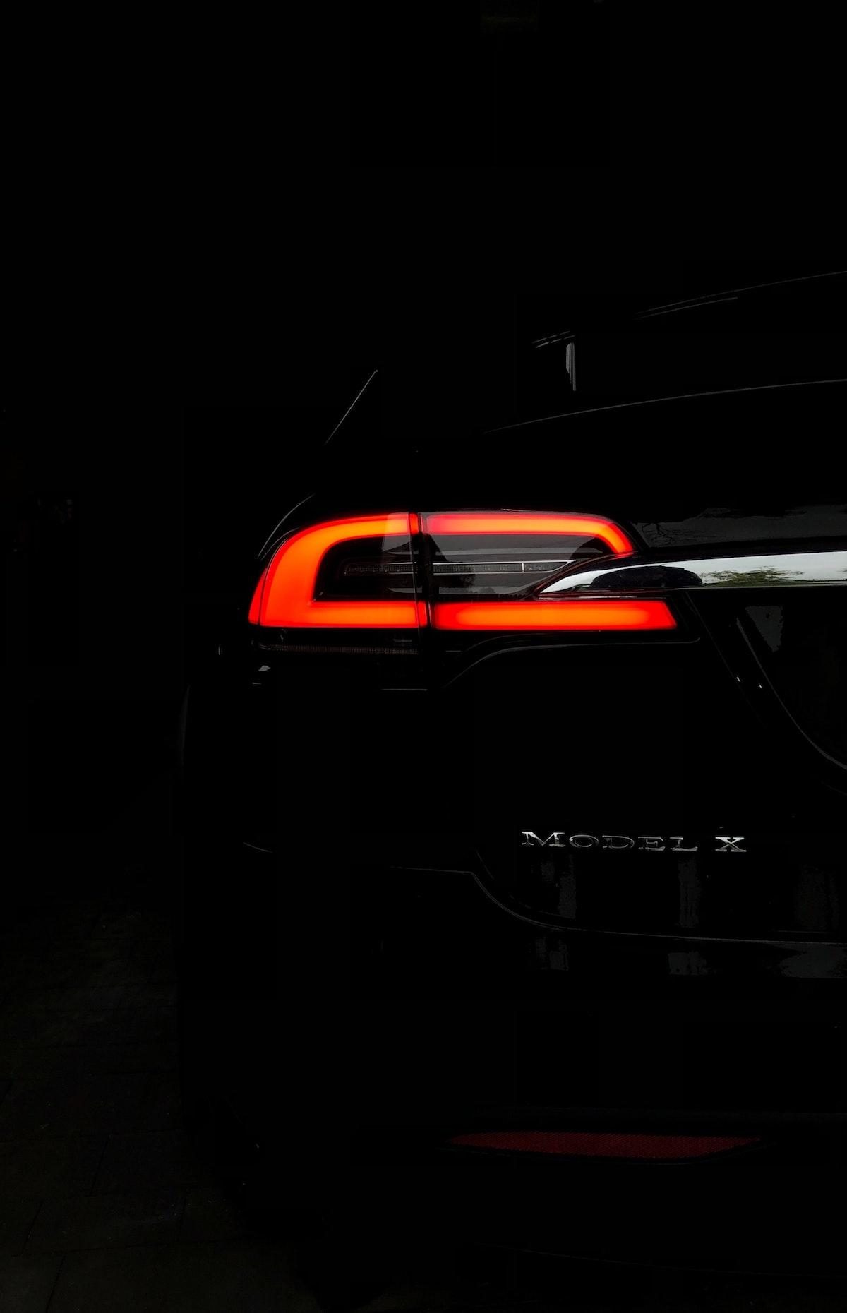 Tesla breaklight